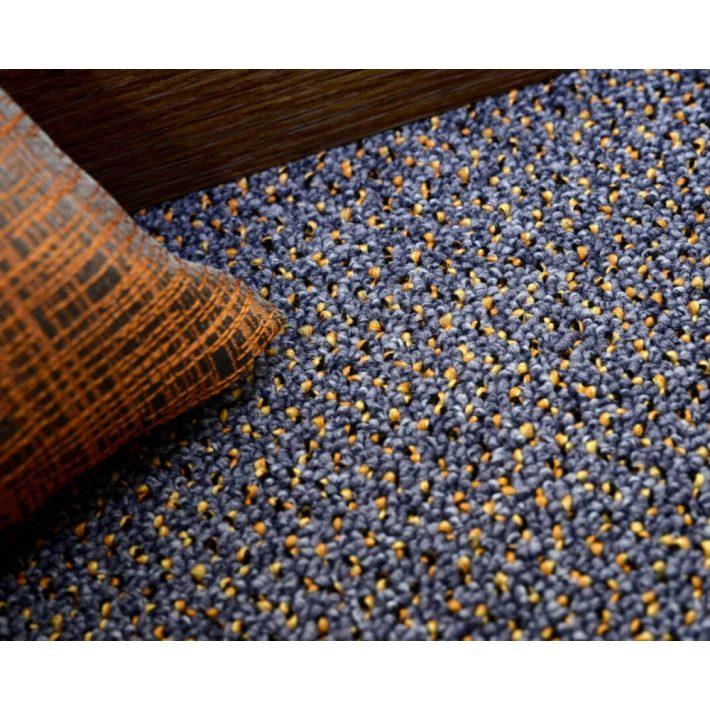 Zsaklin Hurkolt, Vastag padlószőnyeg 4m széles szürkéskék színben