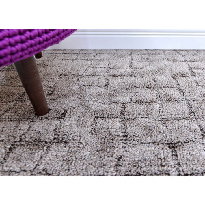 Mirjam Buklé padlószőnyeg 4 m széles barna színben